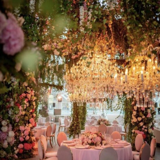 Chandelier Rental Wedding In Valencia 3 710x959 1 550x550