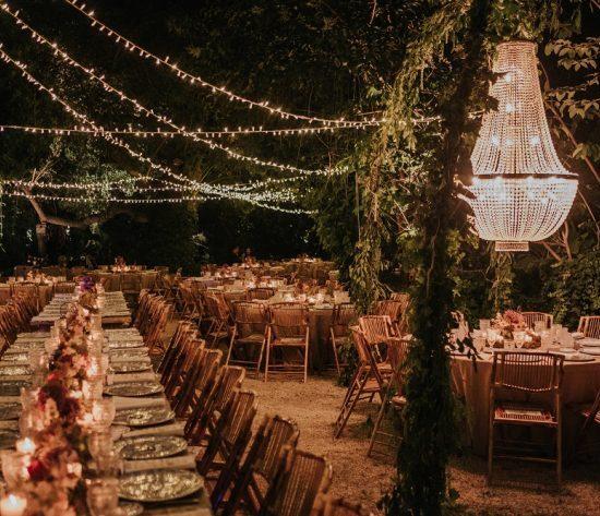 Christmas Wedding Or Winter Wedding 710x473 1 550x473